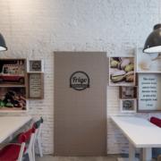 tavoli e rivestimenti gelateria