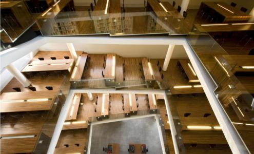 biblioteca in legno