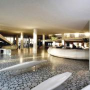 reception Radisson Blu Es Hotel