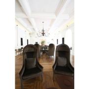 Dettaglio delle sedute su misura negli spazi comuni Gran Melia Villa Agrippina by Devoto