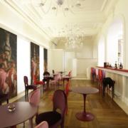 Dettaglio bar lounge Gran Melia Villa con arredi su misura by Devoto