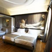 Interni di una camera del Gran Melia Villa Agrippina di Roma, progettato da Studio Transit e realizzato da Devoto
