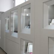 dettaglio vetrine espositive gioielleria