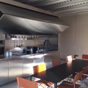 Appartamento Palazzo Rhinoceros con kitchenette su misura in inox e bascula motorizzata