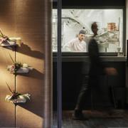 Dettaglio degli interni del ristorante Per Me progettati da Alvisi Kirimoto e realizzati da Devoto Design