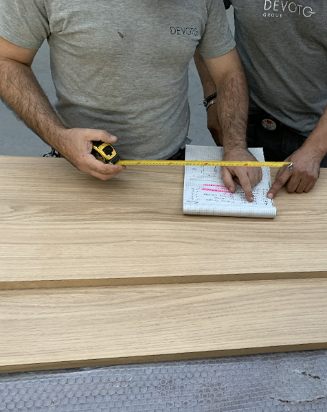 Falegnami Devoto Design lavorano legno di rovere