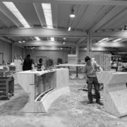 Produzione Devoto arredi in legno doppia curvatura